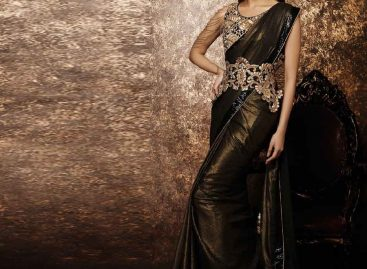 How To Buy The Fashionable Designer Sarees Online